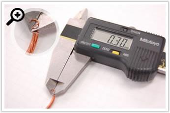 逸品その一. 銅線φ0.3のバネを巻いて作るバネ