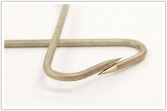 逸品その二. 両端が尖頭(針)状の漁具(ベンダー加工)