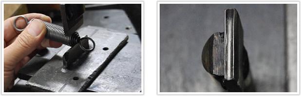 耐久性が高い両絞りフックの引っ張りバネ