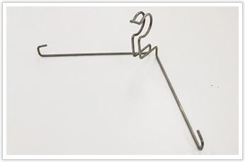 展開長が長い電線保持金具