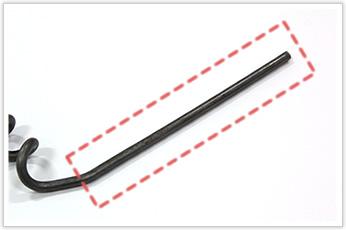 不等間隔ピッチで鉄の直線材を曲げた逸品