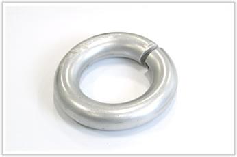 線径20mmの極太アルミ線を使ったリング