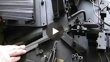 汎用曲げ加工機